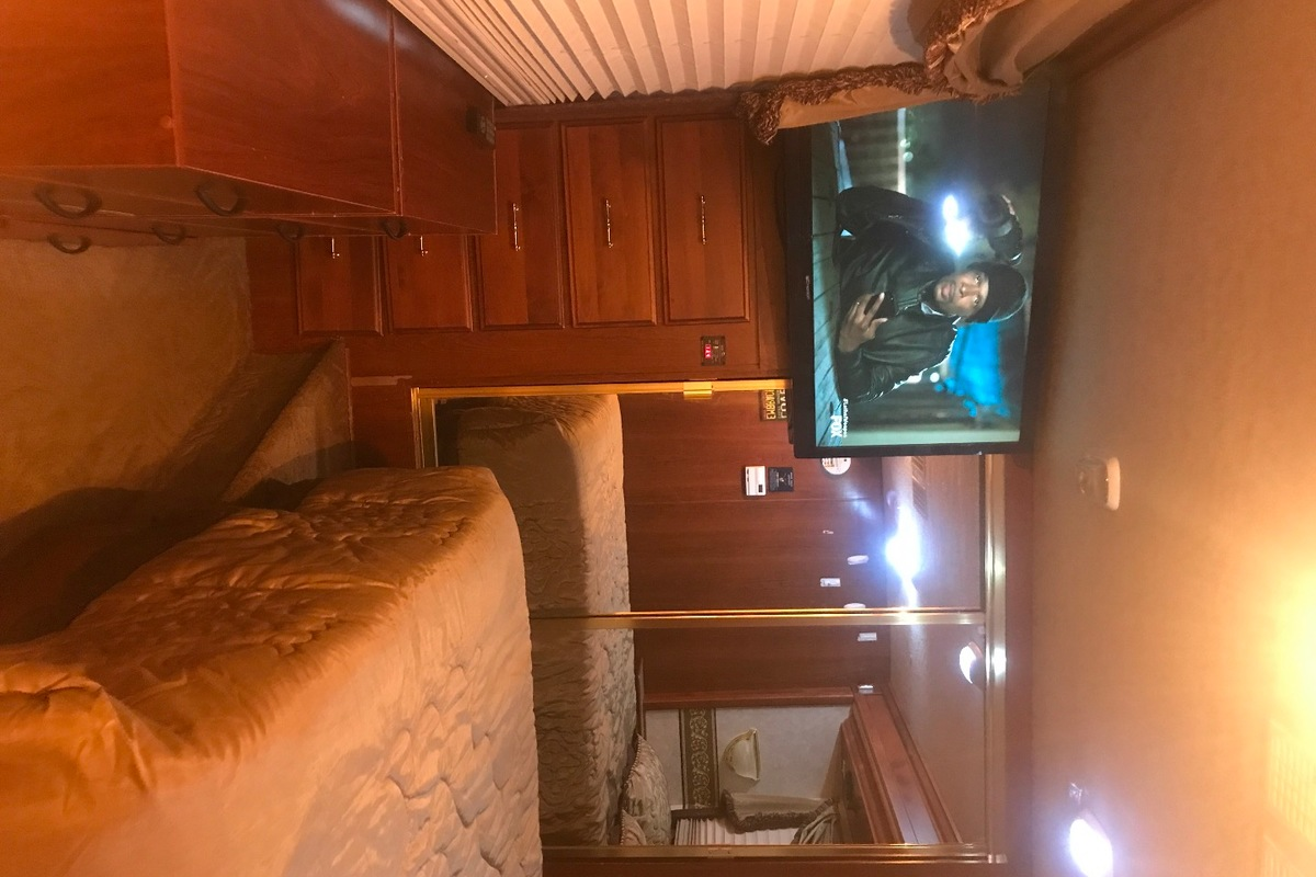 2002 Fleetwood discovery Discovery 37t, 9