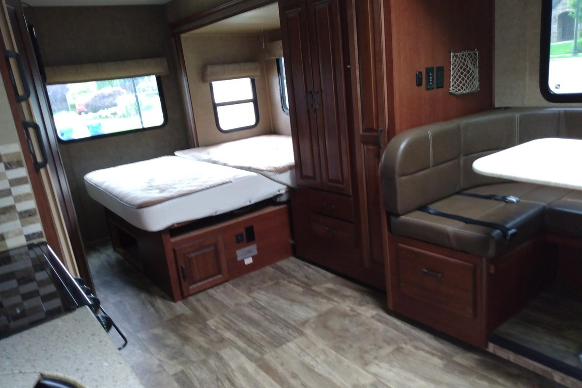 2016 Forest River Forester MBS 2401W, 3