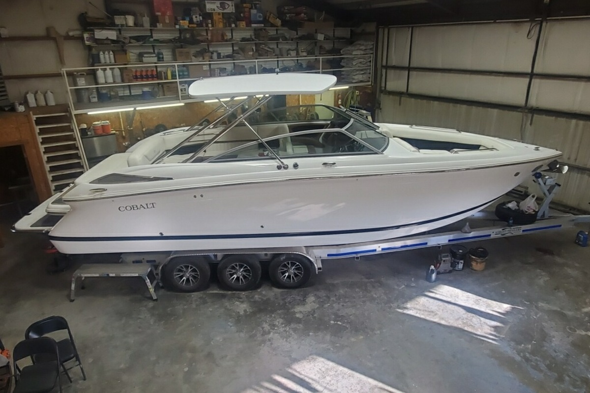 2013 Cobalt Boats 302 w/twin 380 hp Volvos with joystick and hardtop, 2