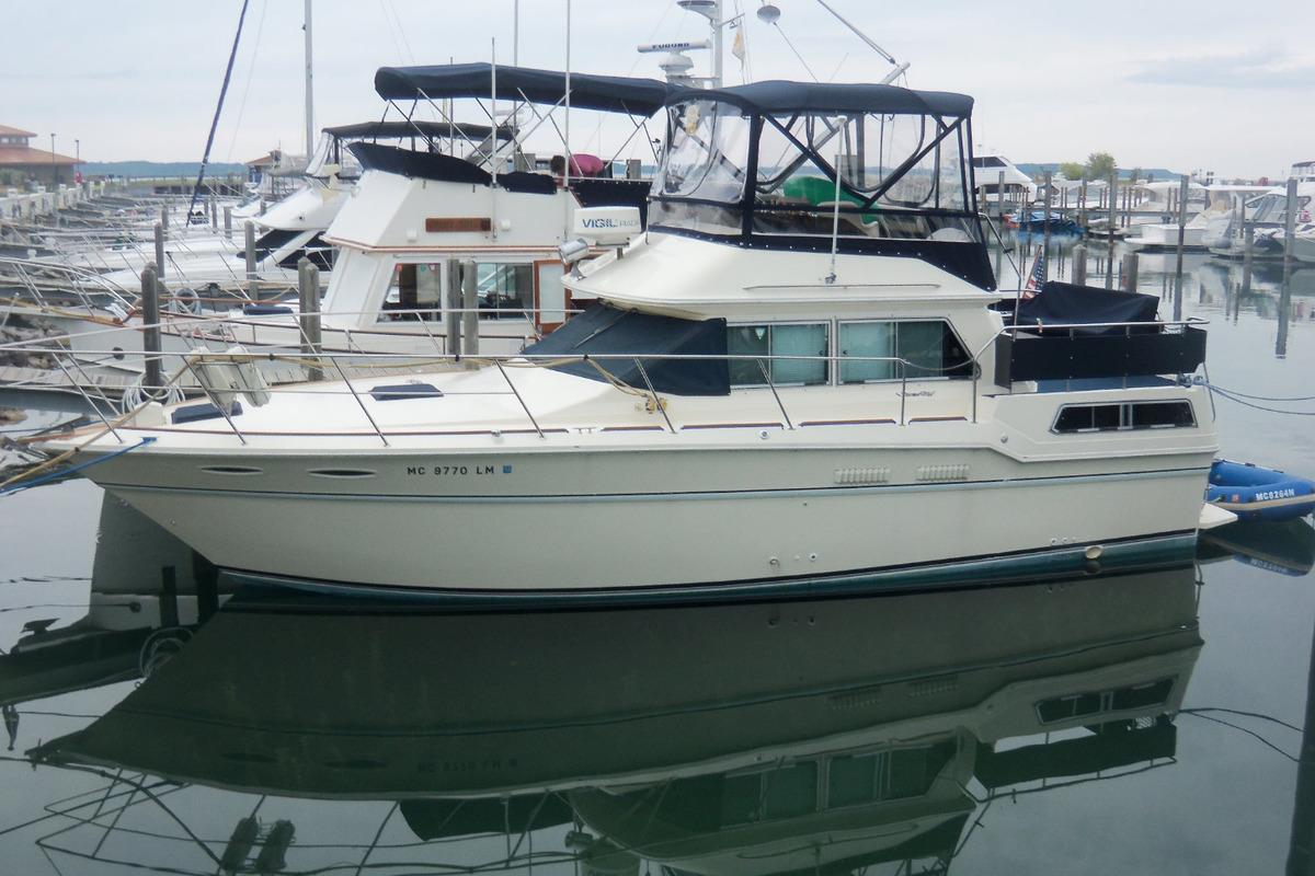 1984 Sea Ray 36 aft cabin, 0
