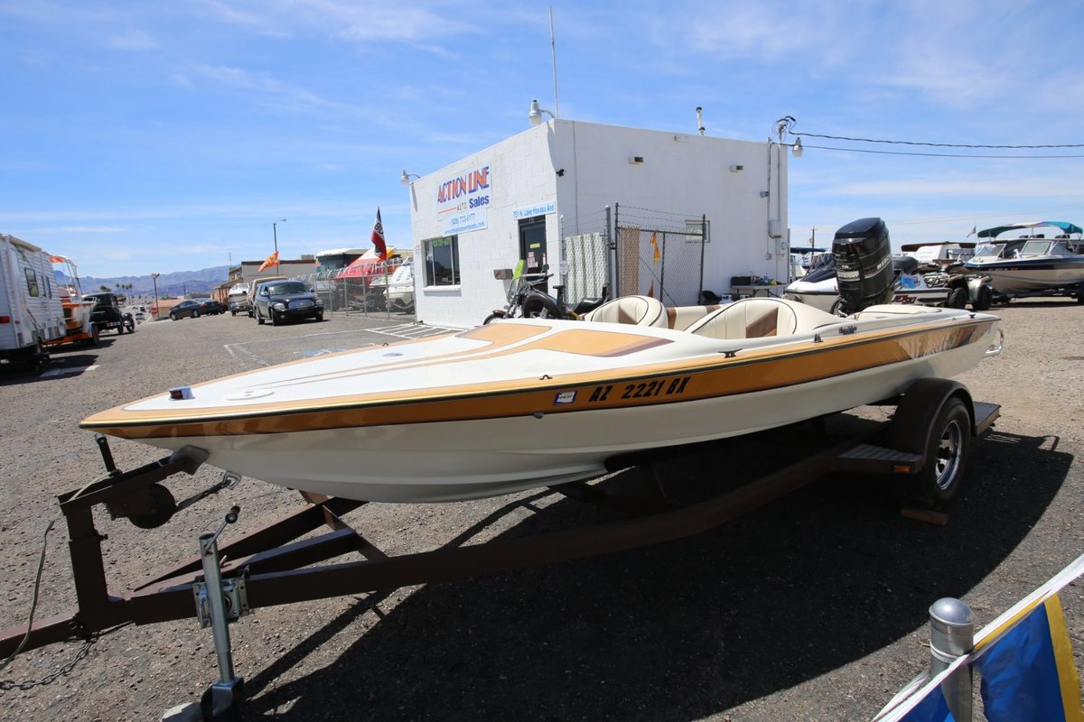 1986 Commander Boats BowRider 16, 3
