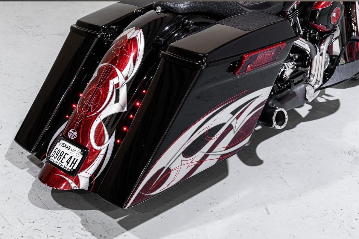 2011 Harley-Davidson FLHX Street Glide, 10