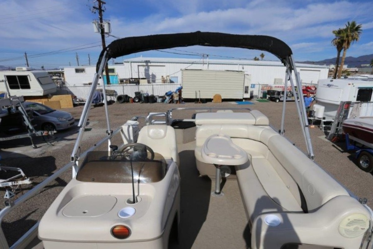 2004 Sun Tracker Signature Series Fishing Barge 21, 8