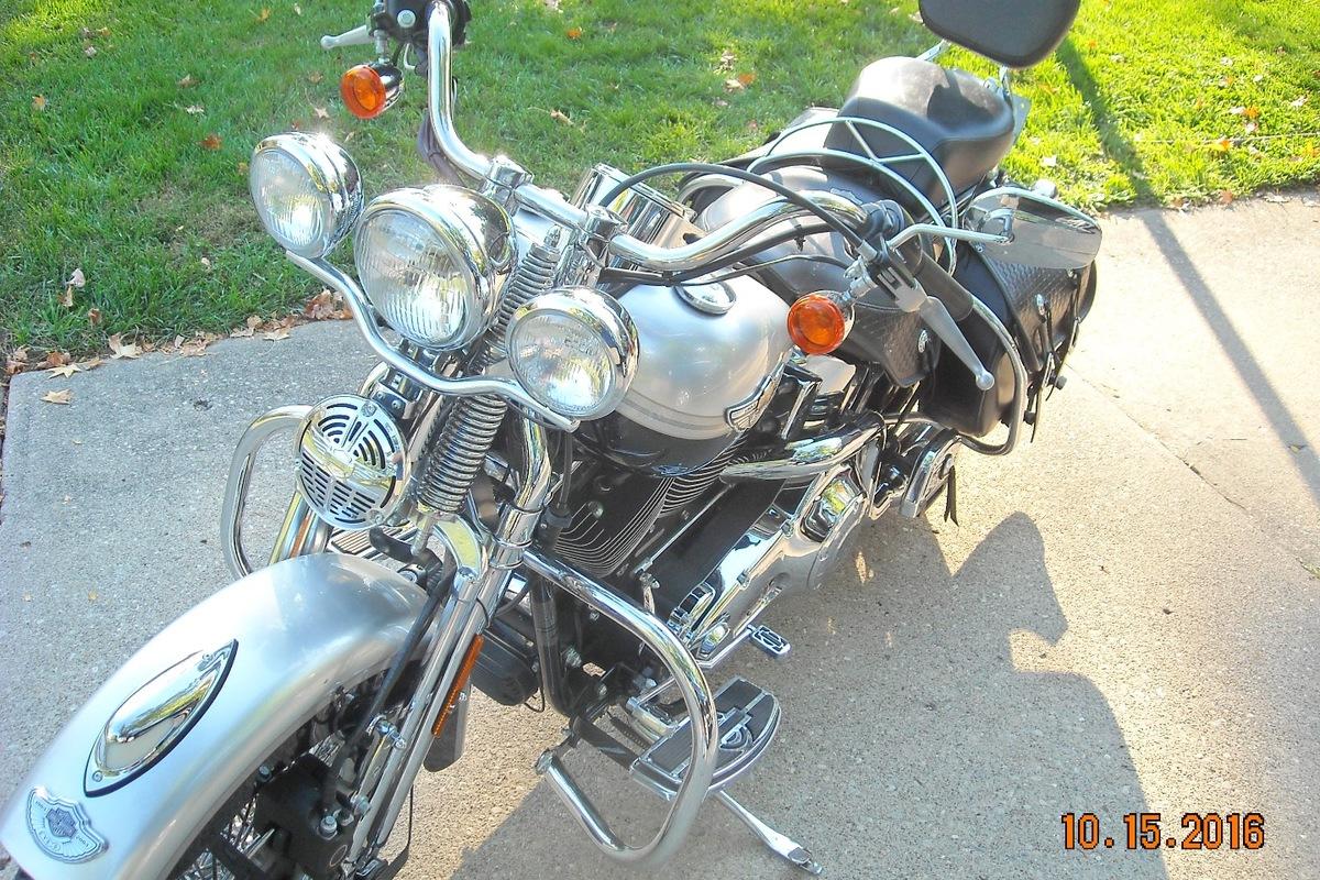 2003 Harley Davidson FLSTSI, 0