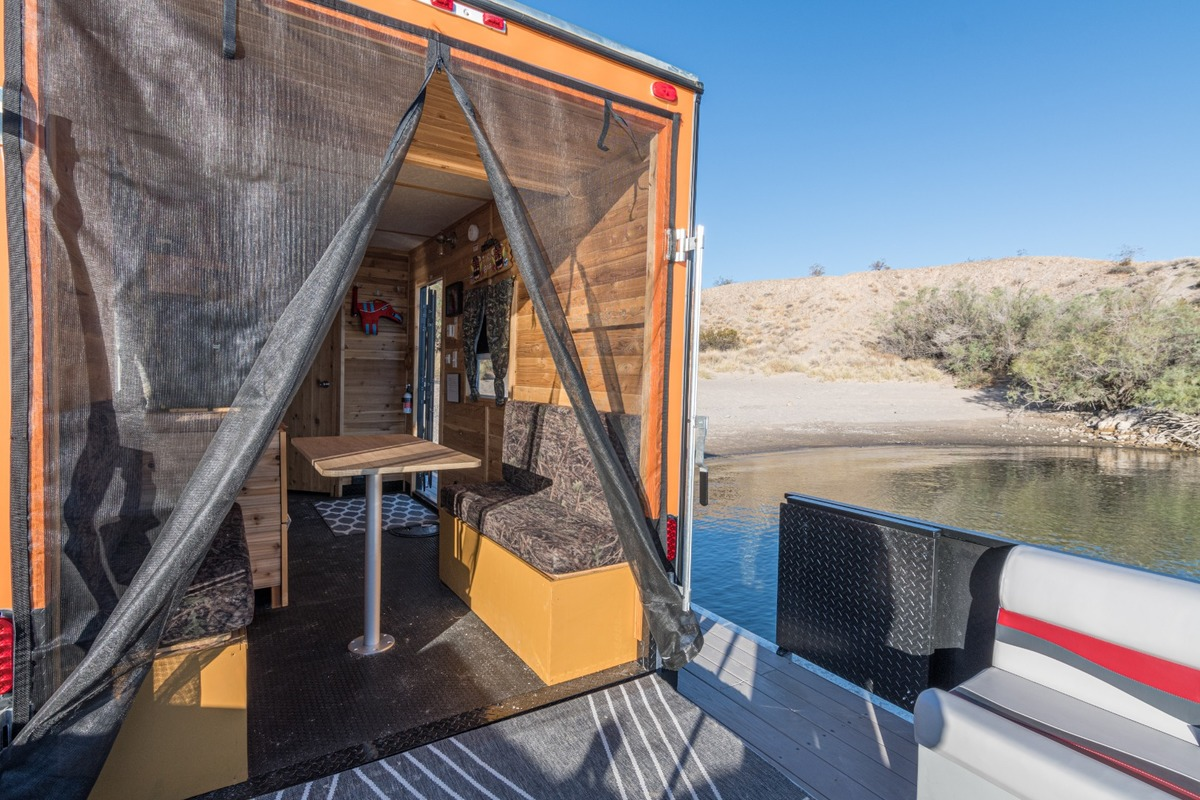 2019 F&S Houseboats Custom, 18