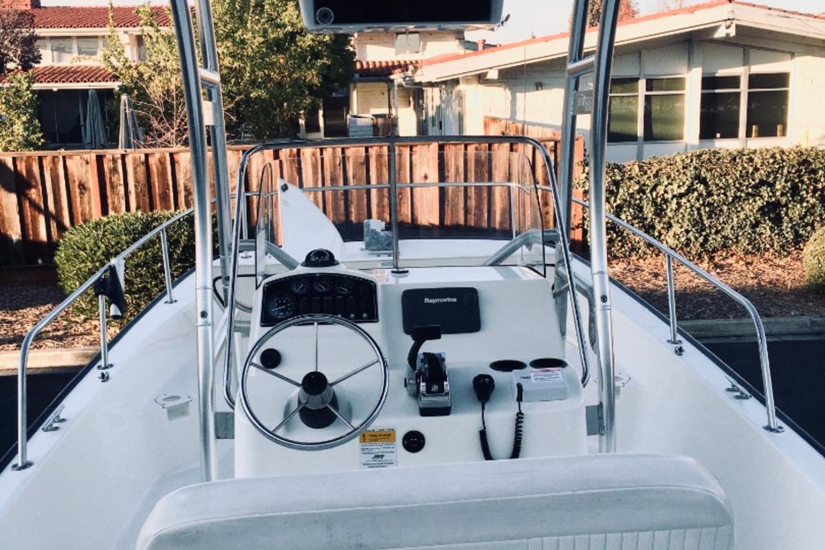 2012 Boston Whaler 210 Montauk, 15