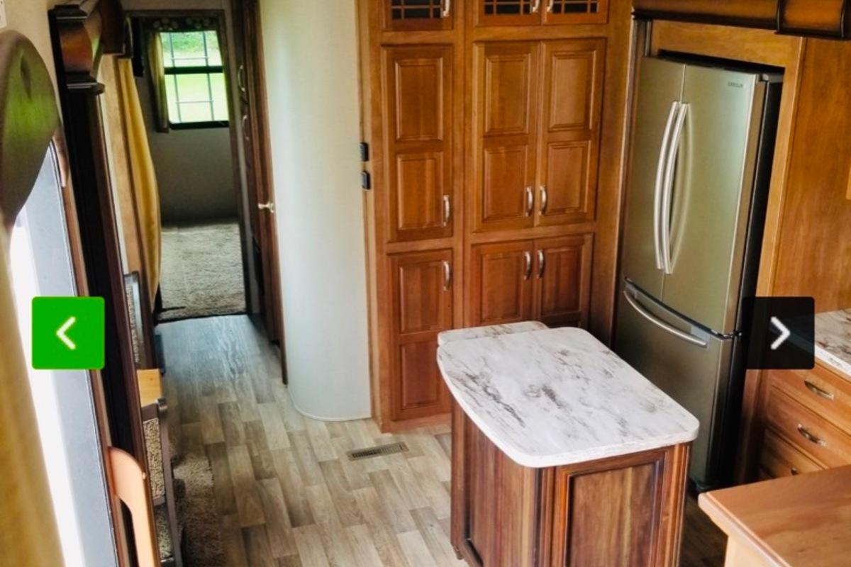 2017 Keystone Montana 3731fl, 6