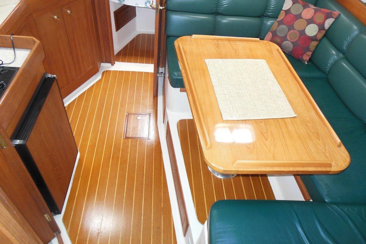 2001 Mainship Pilot 34, 16