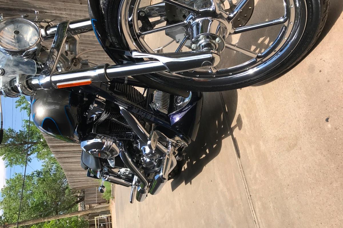 2007 Harley-Davidson Dyna, 3