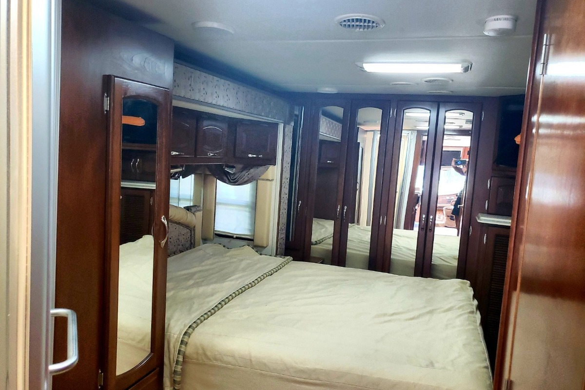 2004 Newmar Mountain Aire 3504, 9