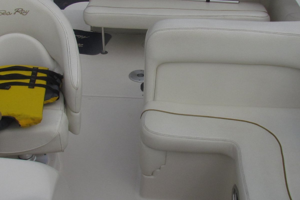 2001 Sea Ray 240 Sundancer, 8