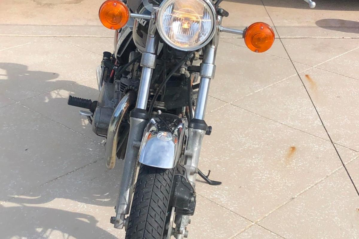 1976 Kawasaki KZ400, 4