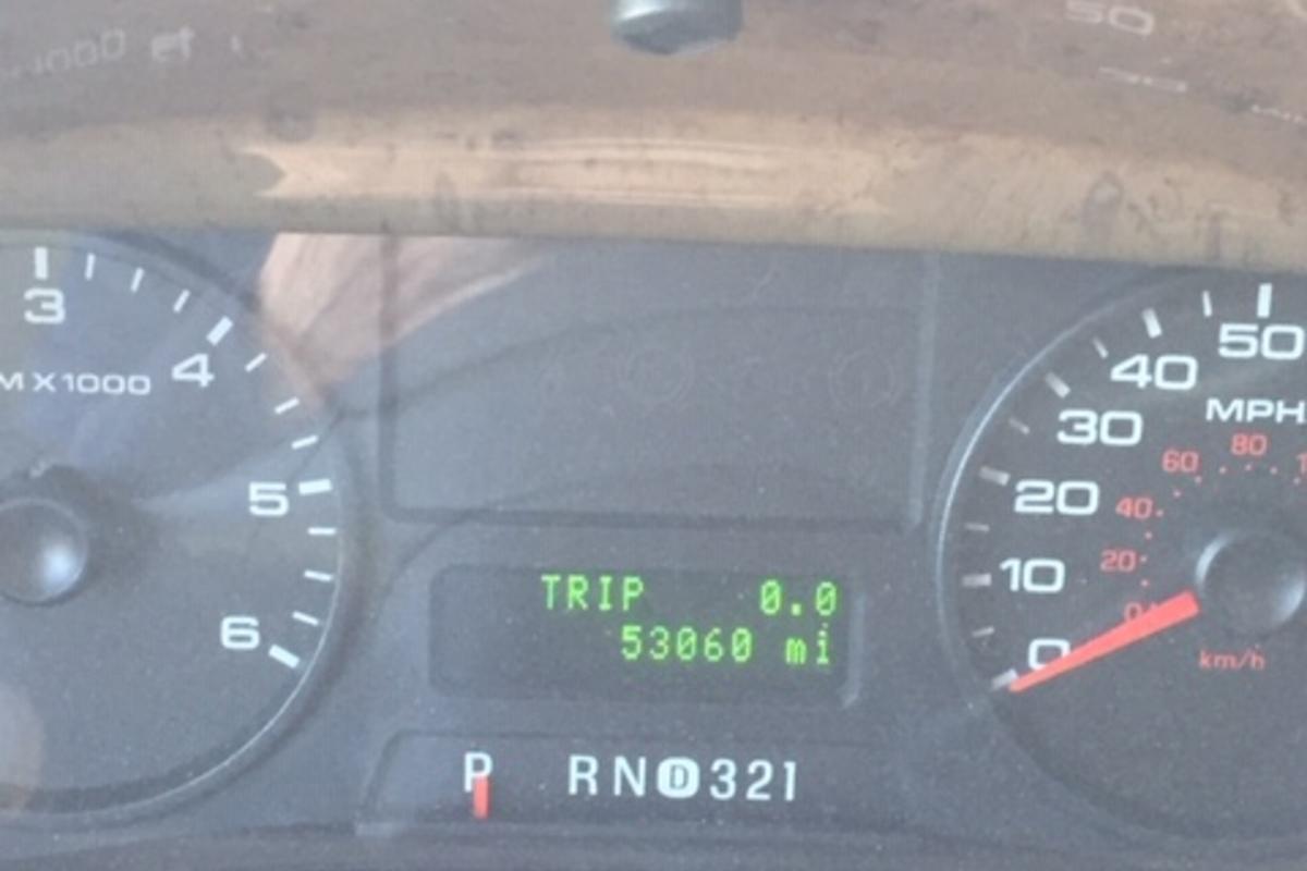 2011 Winnebago Adventurer 35P, 11