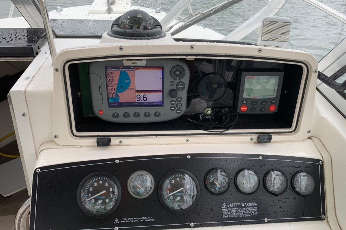 1998 Boston Whaler Conquest 230, 5
