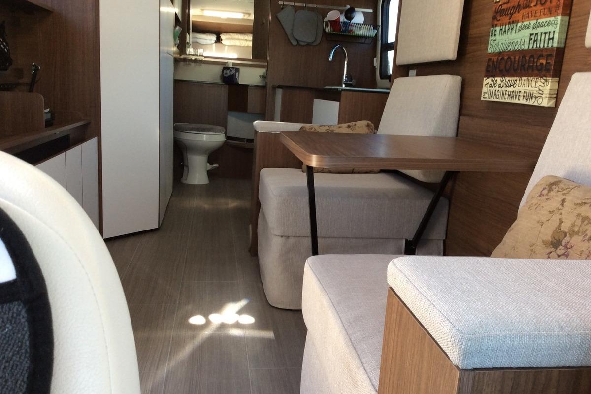 2017 Triplee Leisure Van Wonder Murphy Bed, 12