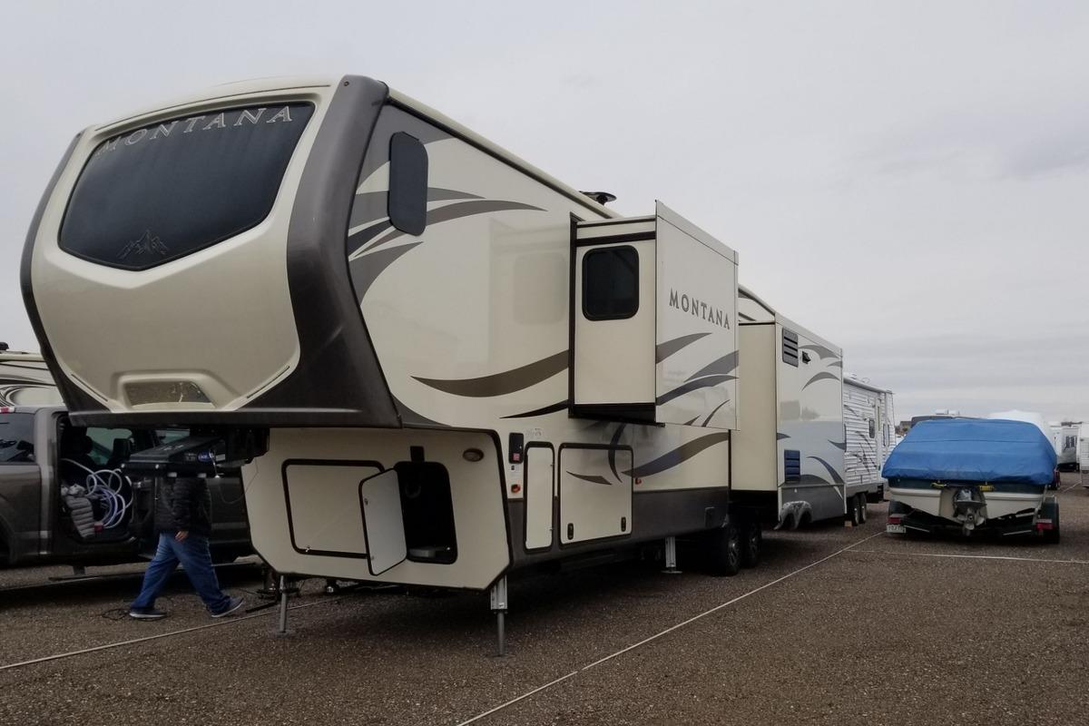2017 Keystone Montana 3921FB, 0