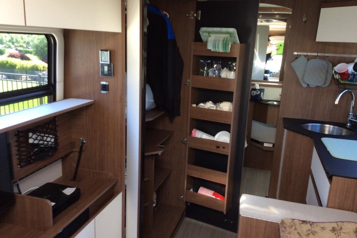 2017 Triplee Leisure Van Wonder Murphy Bed, 8
