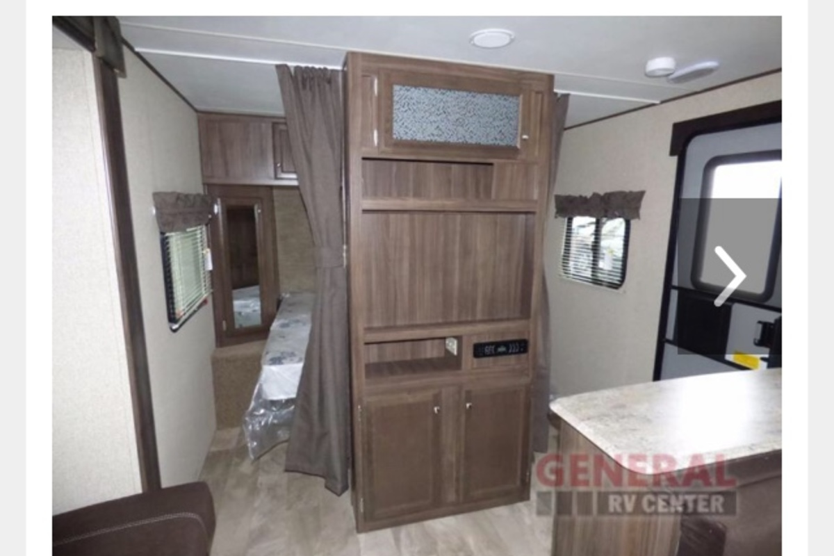 2017 Coachmen Apex ultra light 28LE 288BHS, 9