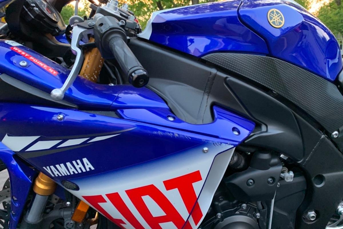 2010 Yamaha Yzf-r1 LE, 7