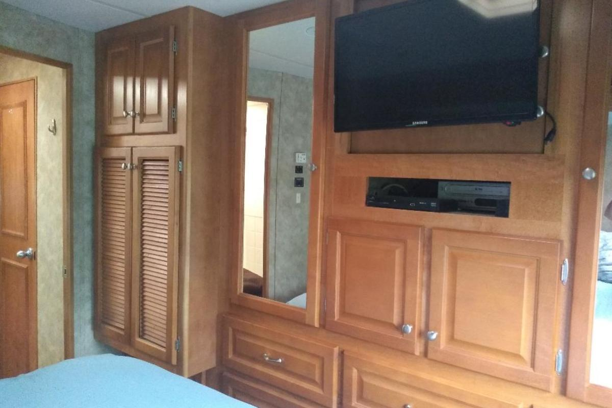 2008 Gulf Stream Independance 83671, 4