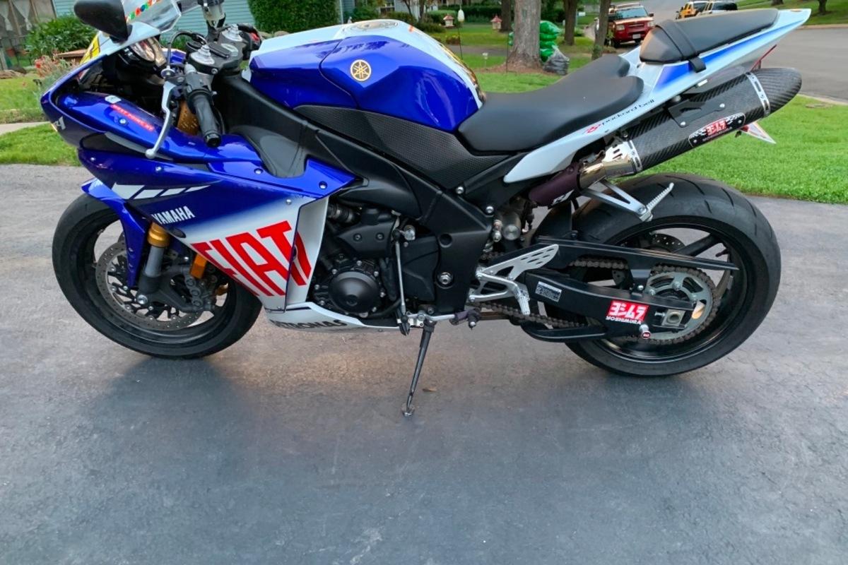 2010 Yamaha Yzf-r1 LE, 4