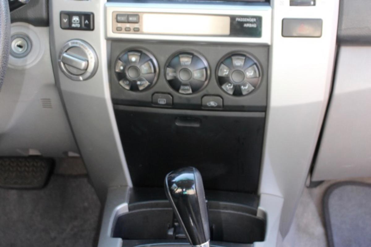 2005 Toyota 4Runner SR5, 9