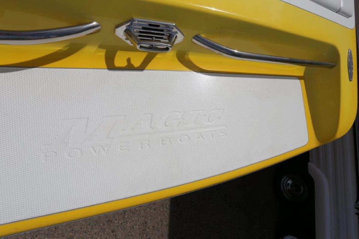 2006 Magic Powerboats Scepter, 19