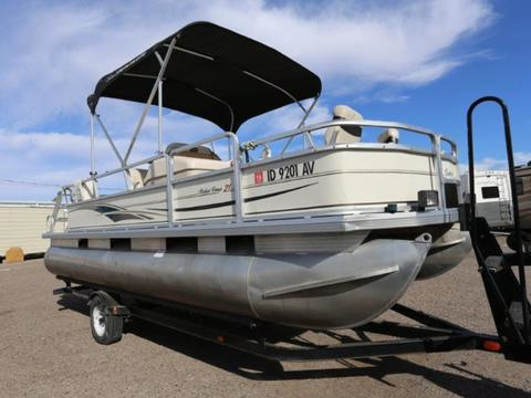 2004 Sun Tracker Signature Series Fishing Barge 21