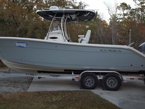 2018 Cobia Boats 261 CC