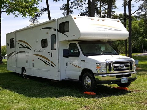 2011 Winnebago Chalet 31CR