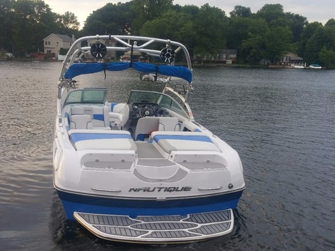 2009 Nautique Super Air 230
