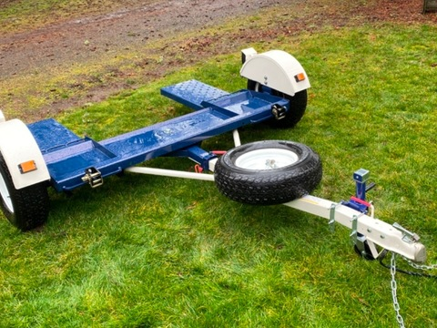 2019 Master Tow 4900 lb. Tow Dolly White/blue