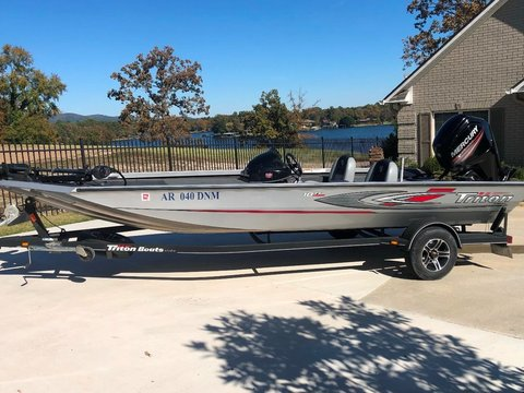 2014 Triton Boats 18 TX