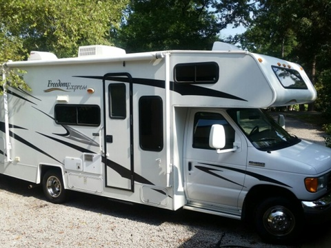 2007 Coachmen Freedom  Exprees 26.5 SO