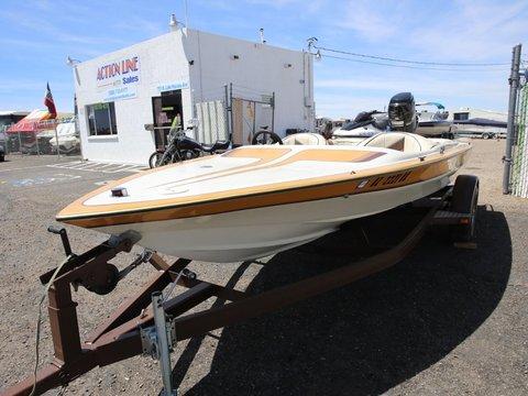 1986 Commander Boats BowRider 16