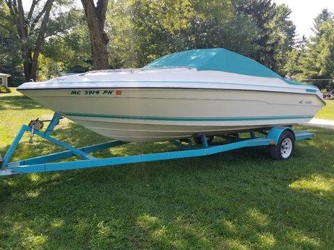 1989 Sea Ray Cuddie Cabin