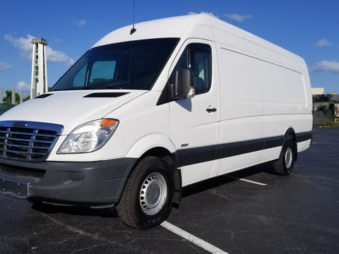 2013 Freightliner Bluetec High Top Van Sprinter 2500