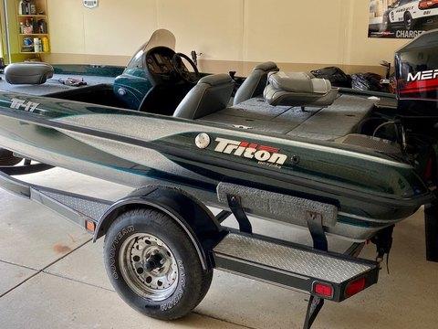 1998 Triton Boats TR-17