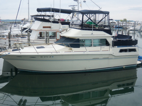1984 Sea Ray 36 aft cabin