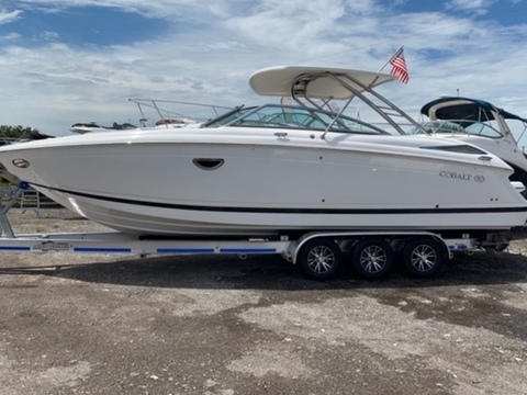 2013 Cobalt Boats 302 w/twin 380 hp Volvos with joystick and hardtop