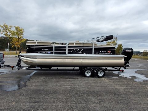 2020 Sun Tracker 22' Party Barge DLX RF