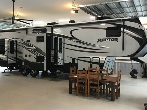 2014 KEYSTONE RAPTOR KING SUITE 332