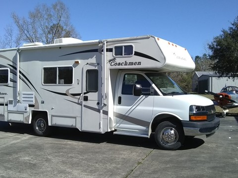 2005 Coachmen Freedom Express M-258DB