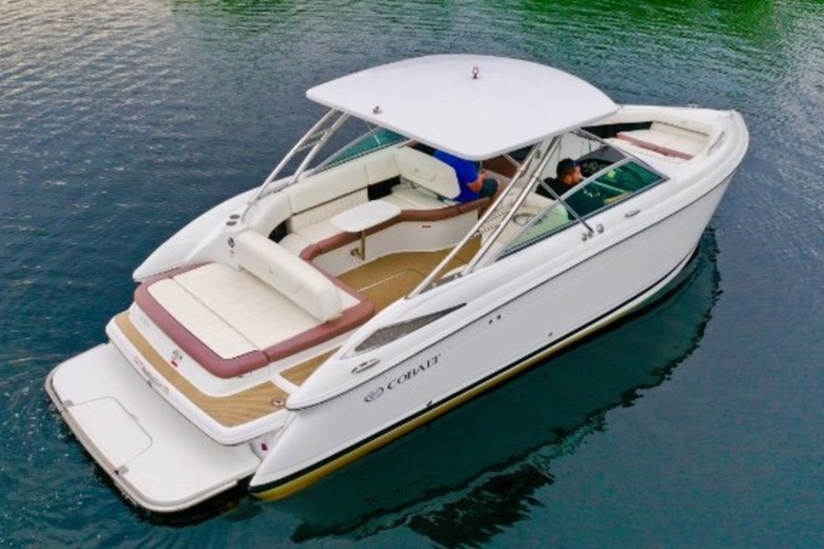 2013 Cobalt Boats 302 w/twin 380 hp Volvos with joystick and hardtop, 9