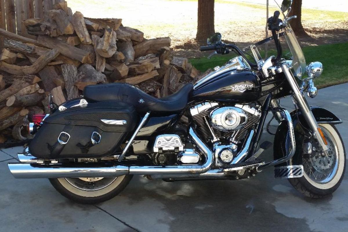 2011 Harley Davidson Road King, 1