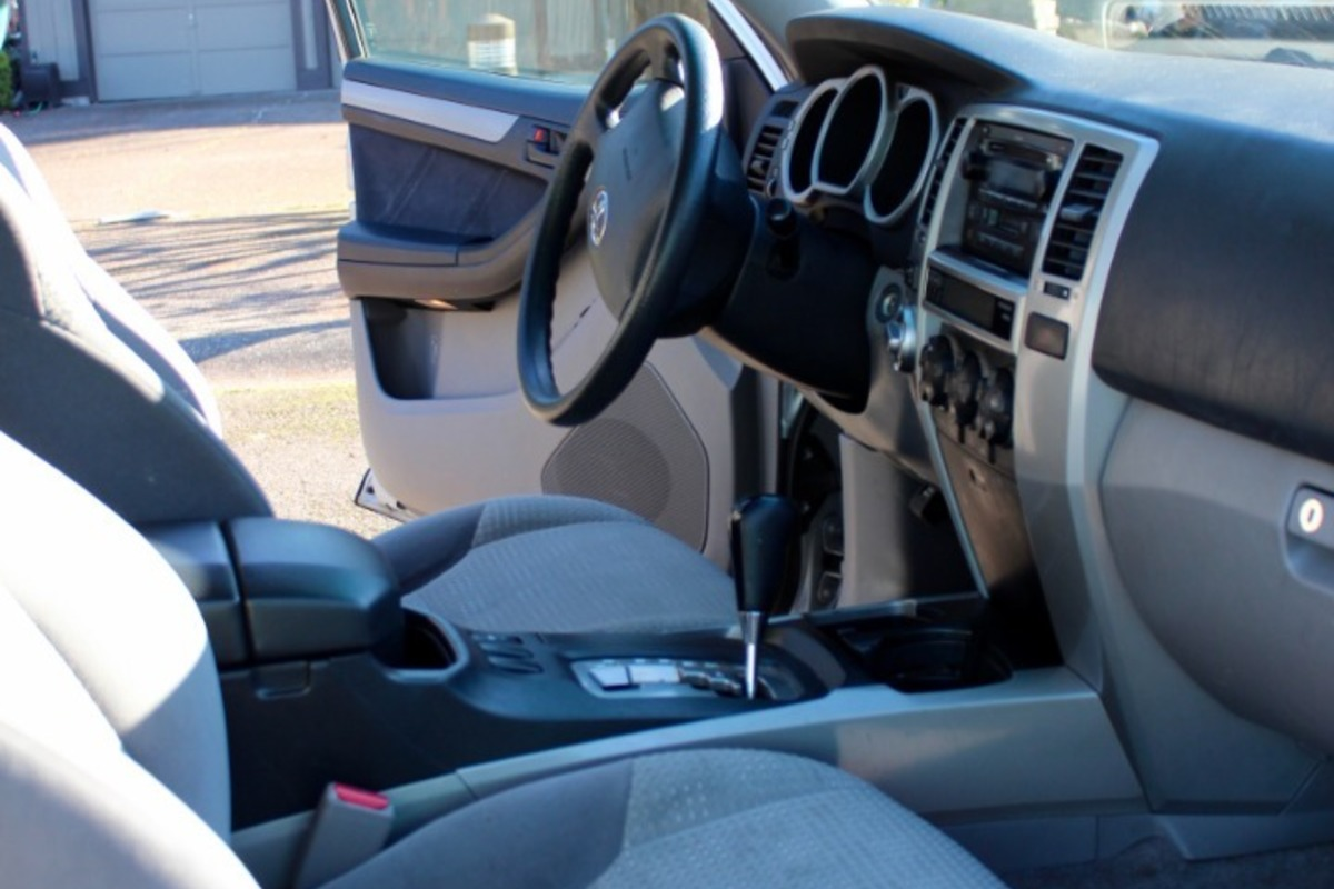 2005 Toyota 4Runner SR5, 8
