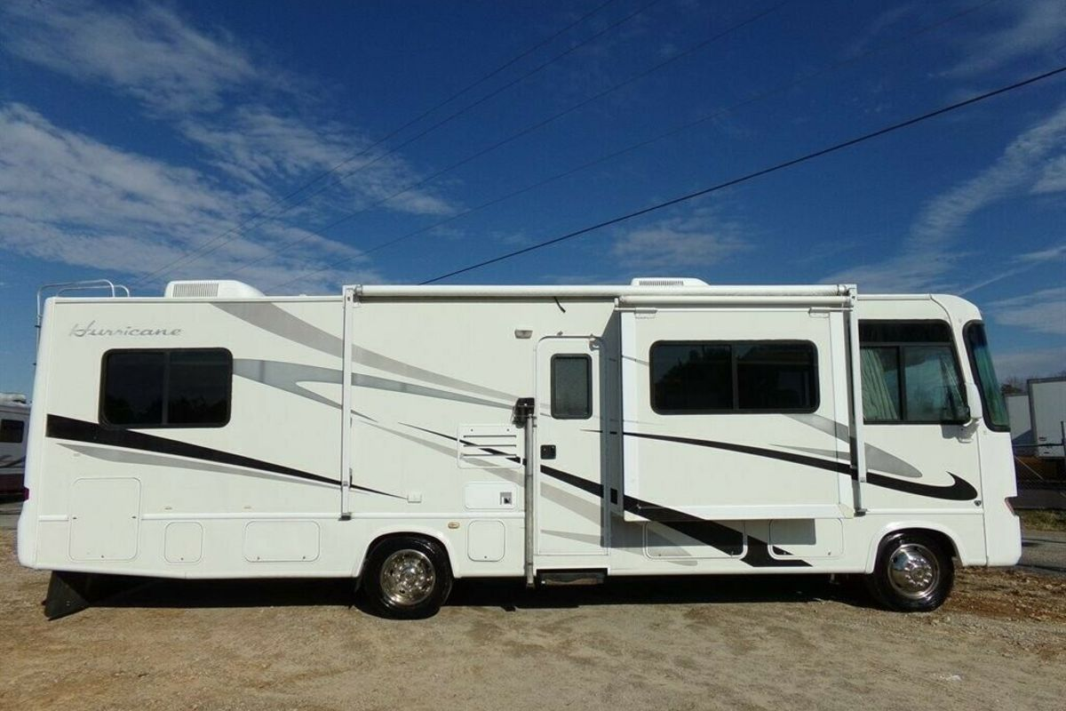 2006 Hurricane Four Winds 31 DT, 1