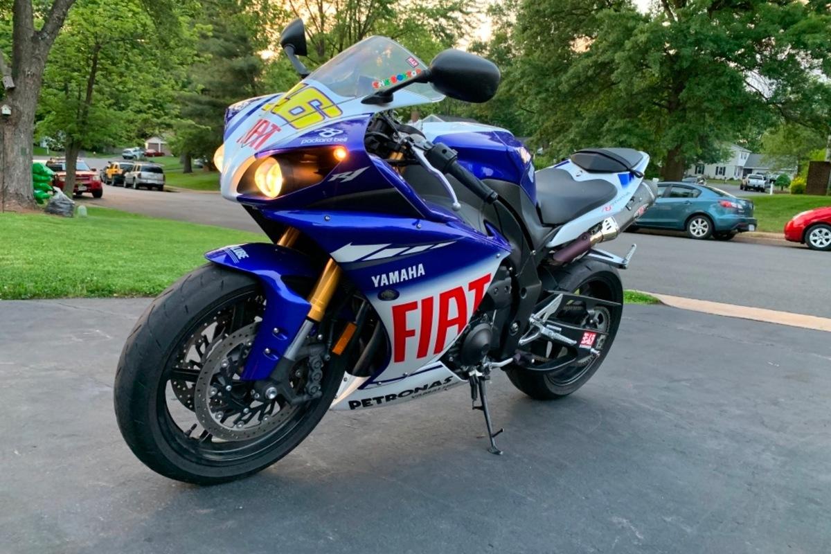 2010 Yamaha Yzf-r1 LE, 0