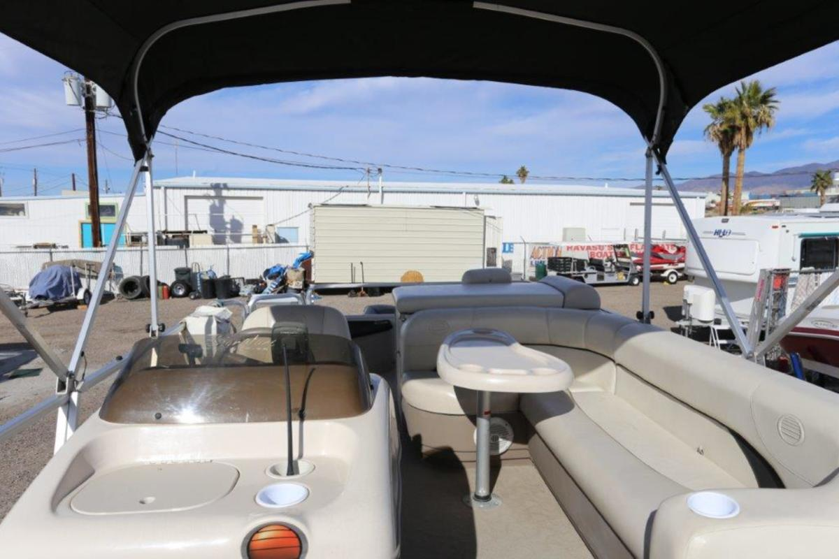 2004 Sun Tracker Signature Series Fishing Barge 21, 14