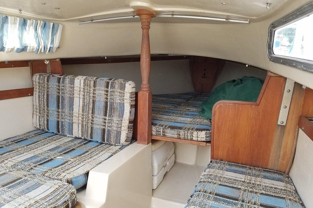 1981 Catalina Yachts Catalina 22, 3